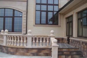 DSC01279 - декор фасада дома и архитектурный бетон
